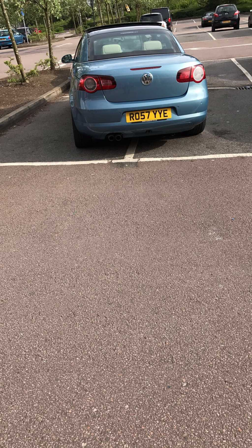 RO57 YYE is a crap parker