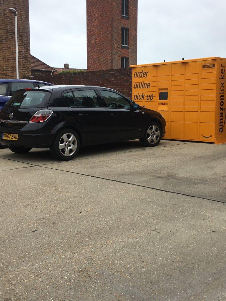 HV57 ZVU displaying crap parking