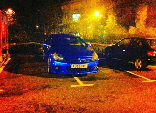 AU55 UMH displaying crap parking