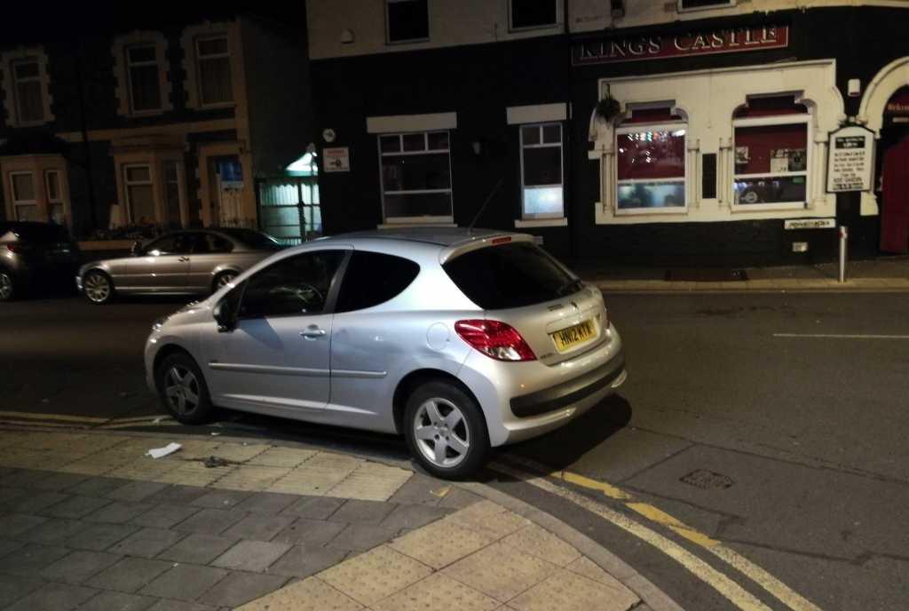 HN12 KTX displaying Selfish Parking