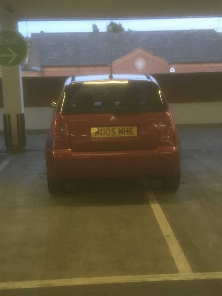 MD05 MHE displaying Inconsiderate Parking