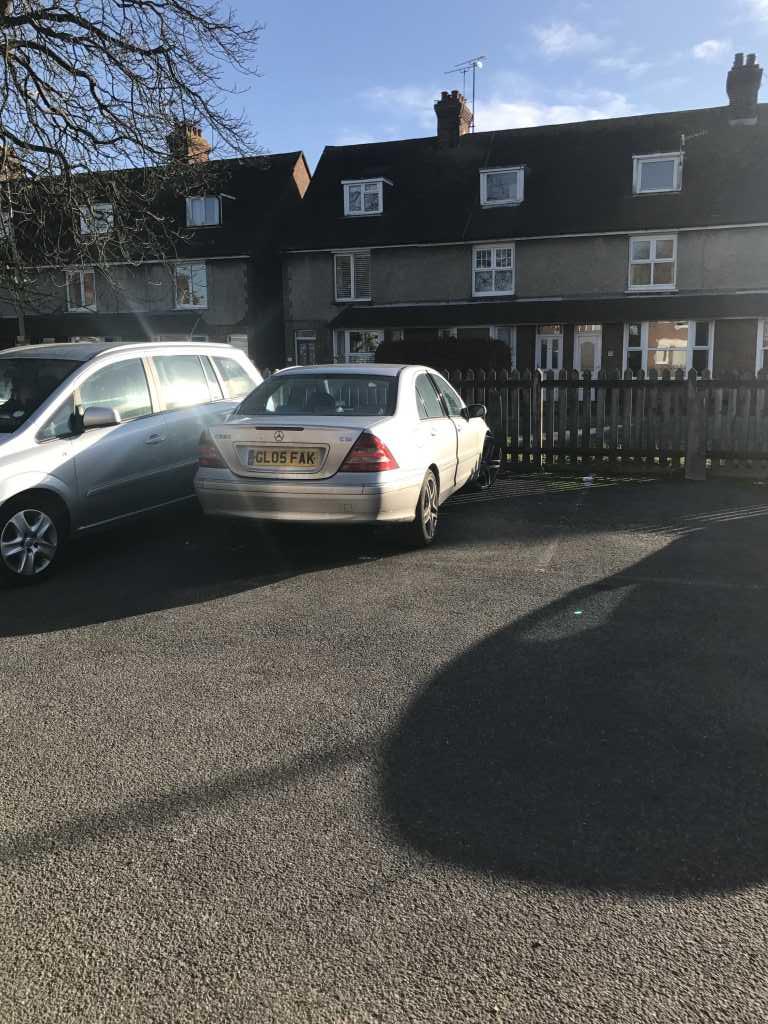GL05FAK displaying Inconsiderate Parking