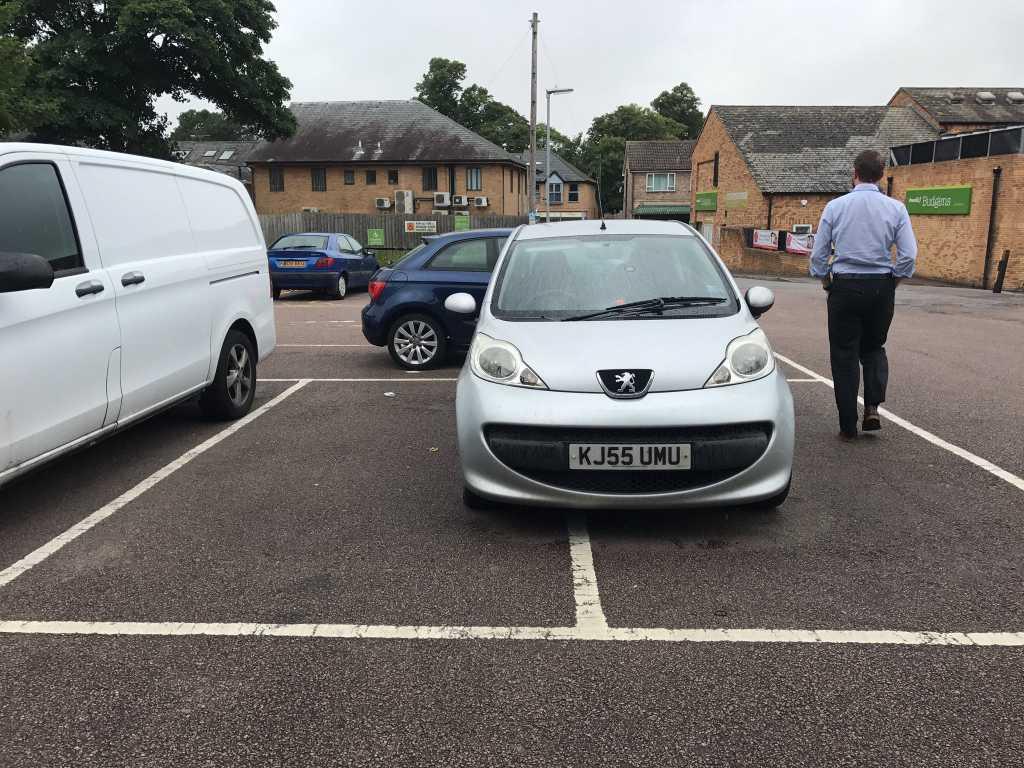 KJ55 UMU displaying Selfish Parking
