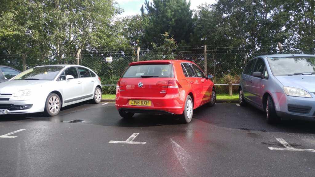 CV16 DXH displaying crap parking