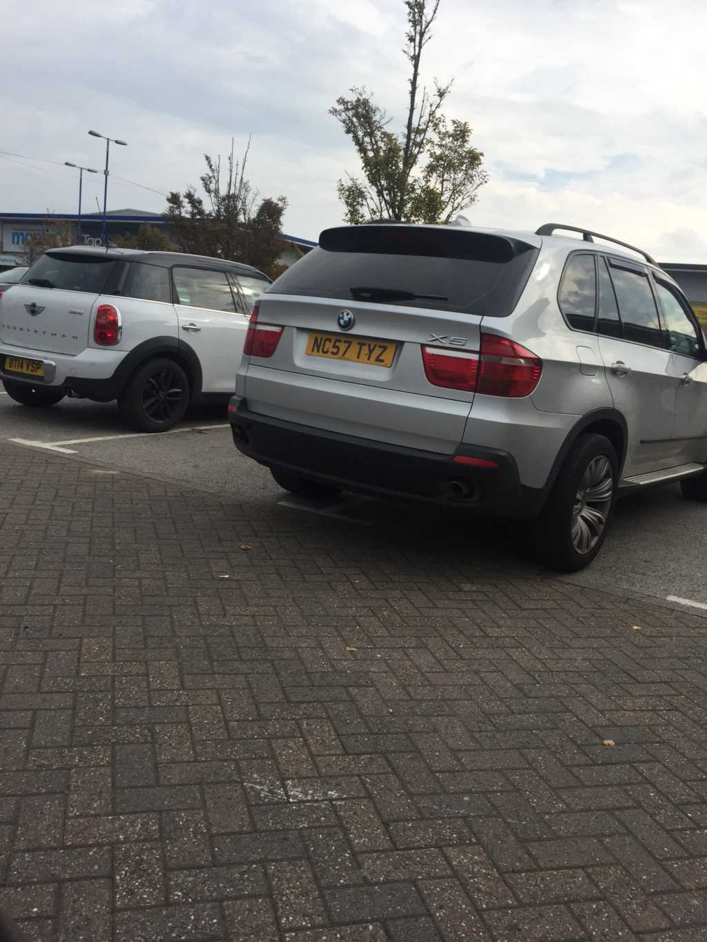 NC57 TYZ displaying crap parking