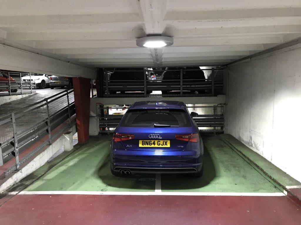 BN64 JGX displaying Inconsiderate Parking