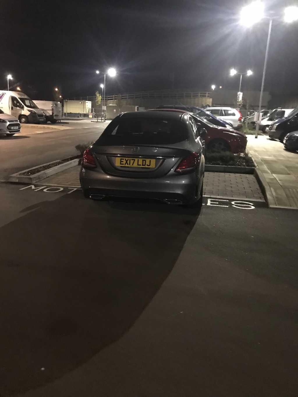 EX16 LDJ is a crap parker