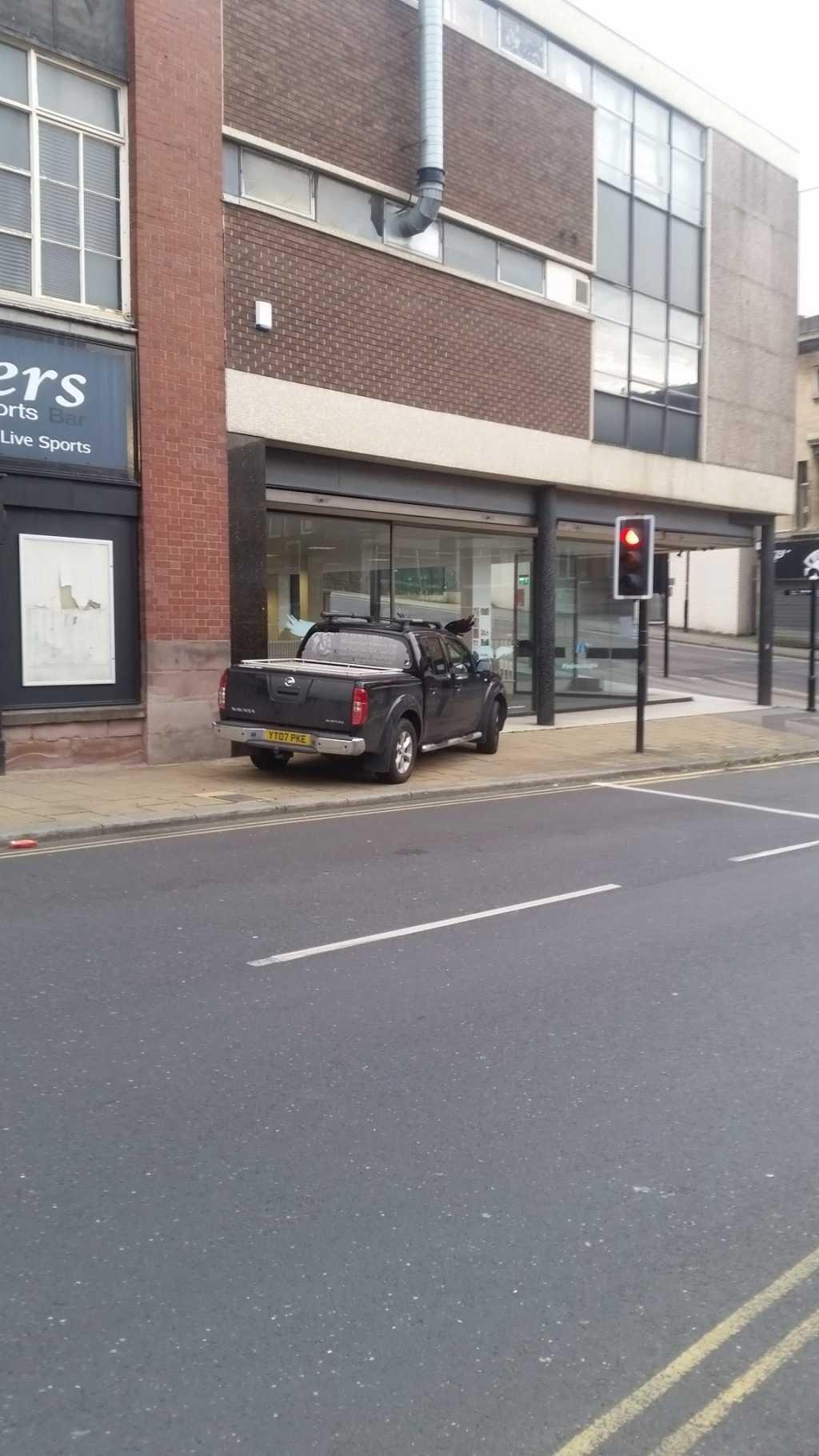 YT07 PKE displaying crap parking
