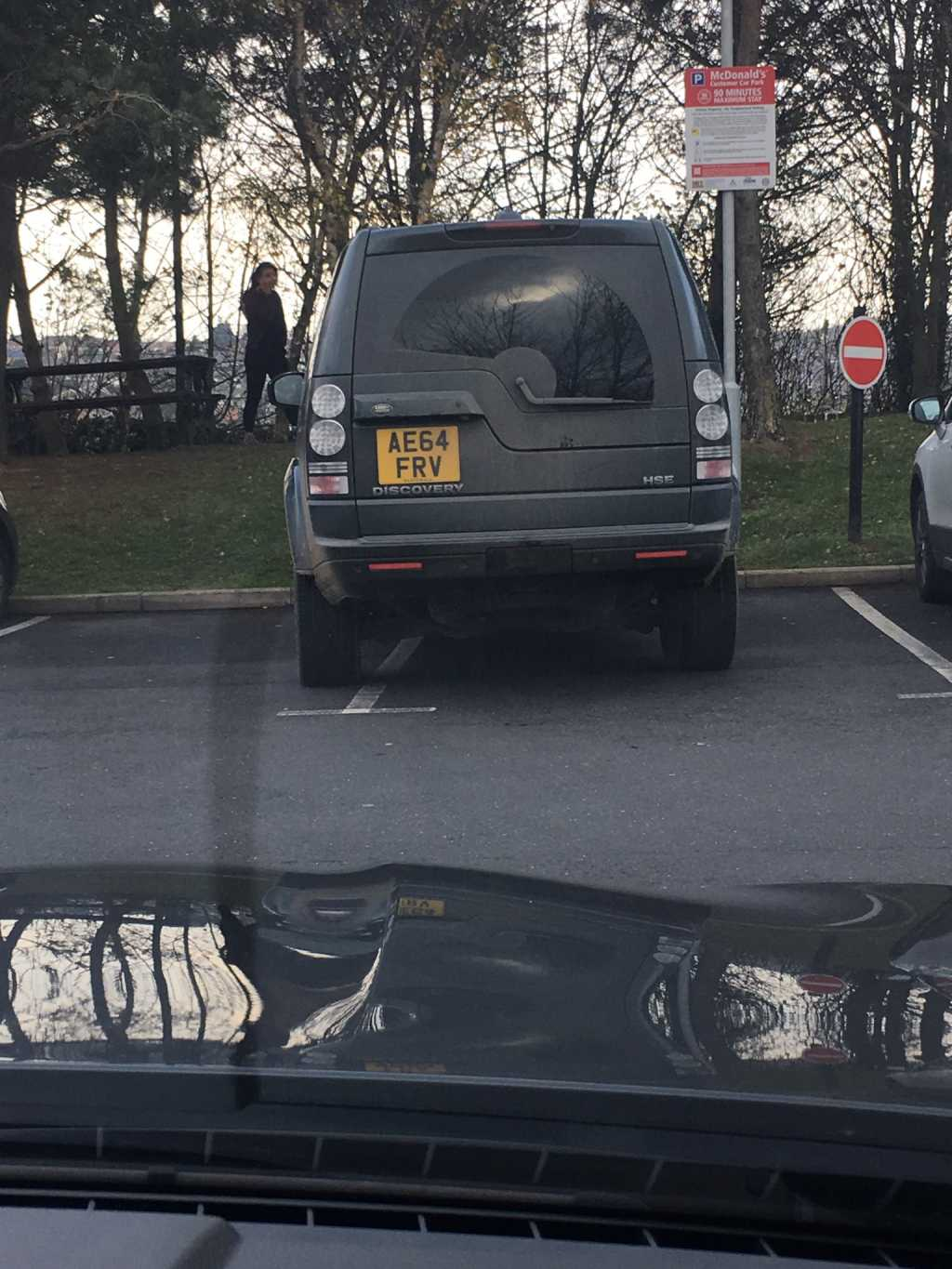 AE64 FRV displaying Inconsiderate Parking
