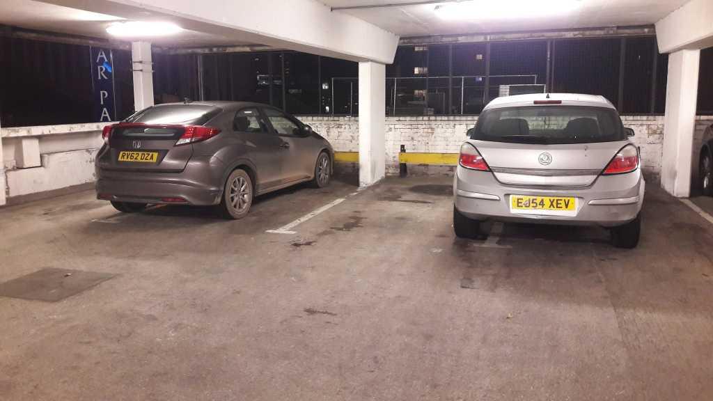 RV62 DZA displaying Selfish Parking