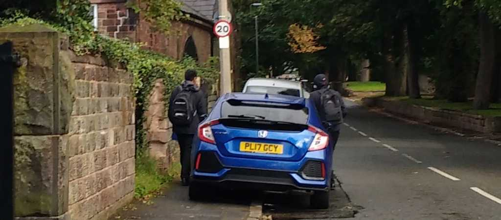 PL17 GCY displaying Inconsiderate Parking