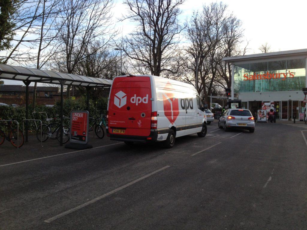 YC62 ZFB displaying Selfish Parking