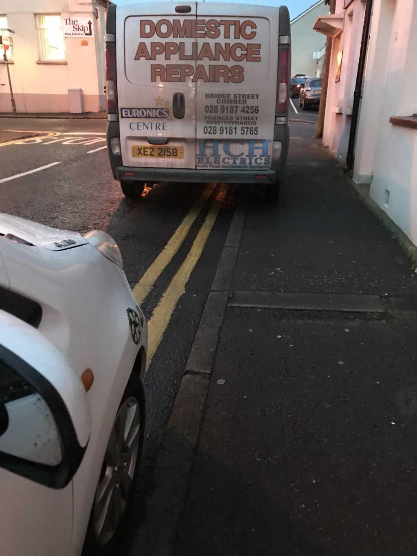 XEZ 2158 displaying Selfish Parking
