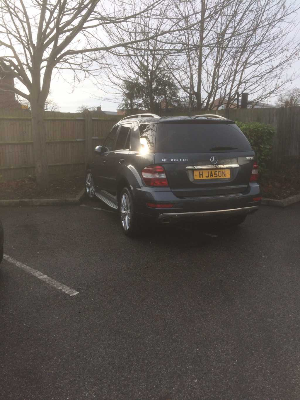 H JA5ON  displaying Selfish Parking
