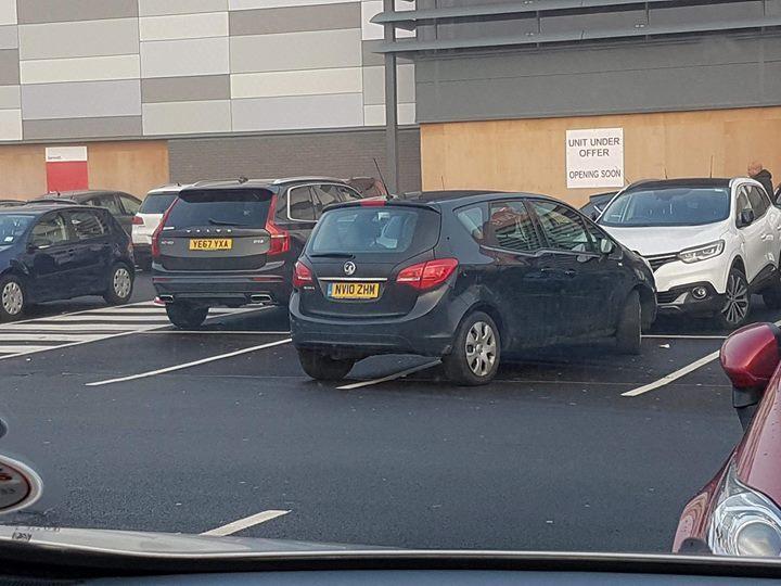 NV10 ZHM displaying Selfish Parking