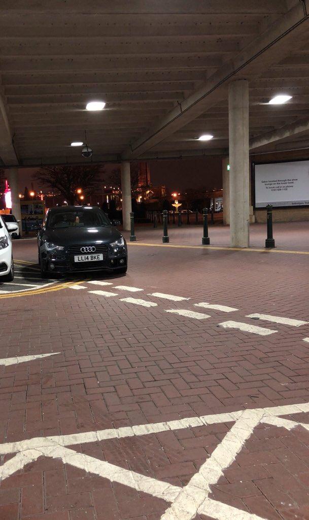 LL14 BKE displaying crap parking