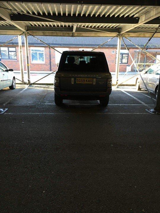 SG59 KAO displaying crap parking