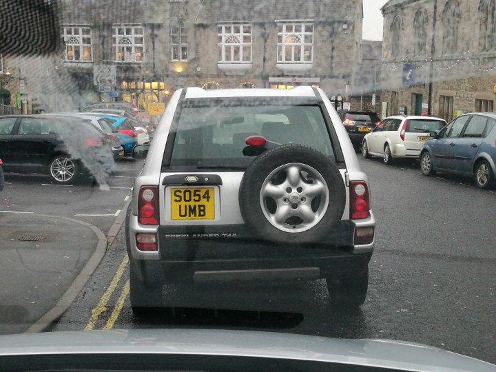 SO54 UMB displaying crap parking