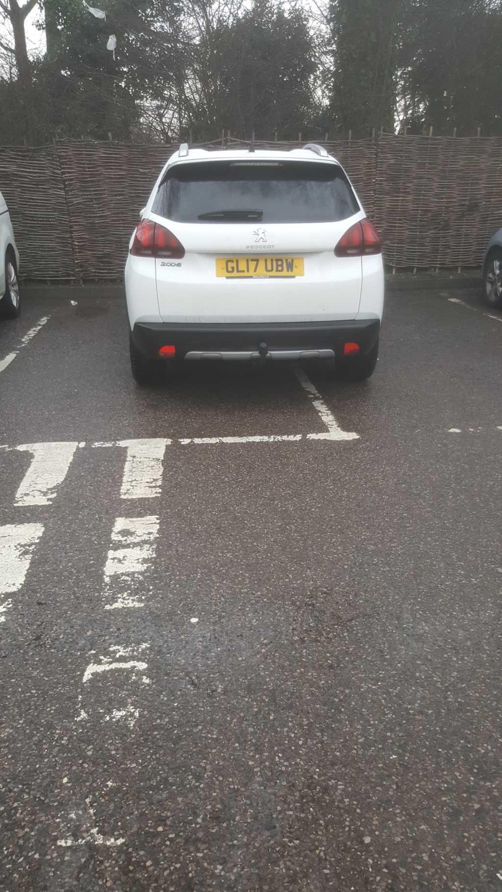 GL17 UBW displaying crap parking