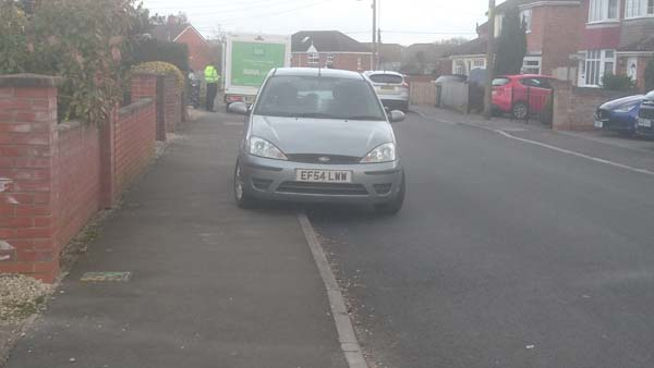 EF54 LWW is a crap parker