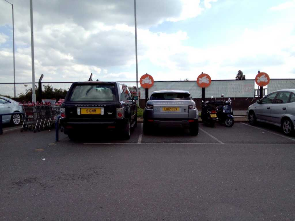 LR12 0JX displaying Inconsiderate Parking