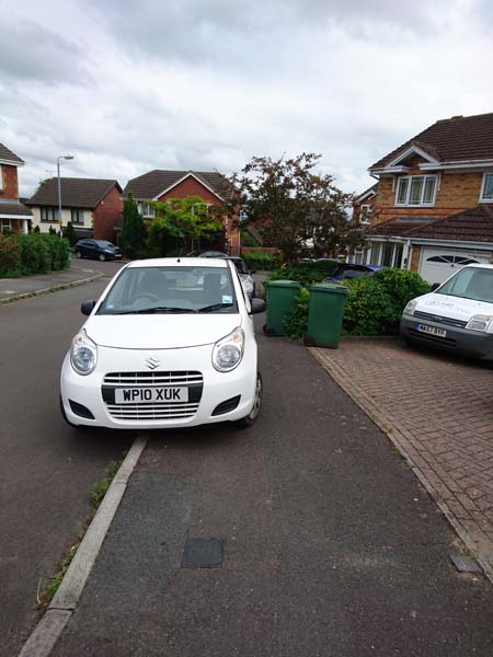 WP10 XUK displaying Inconsiderate Parking