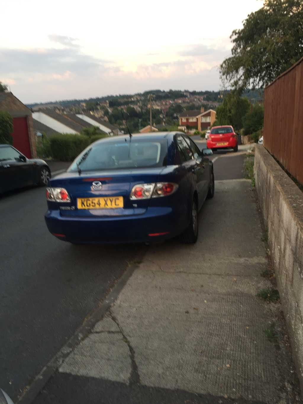 KG54XYC displaying Inconsiderate Parking
