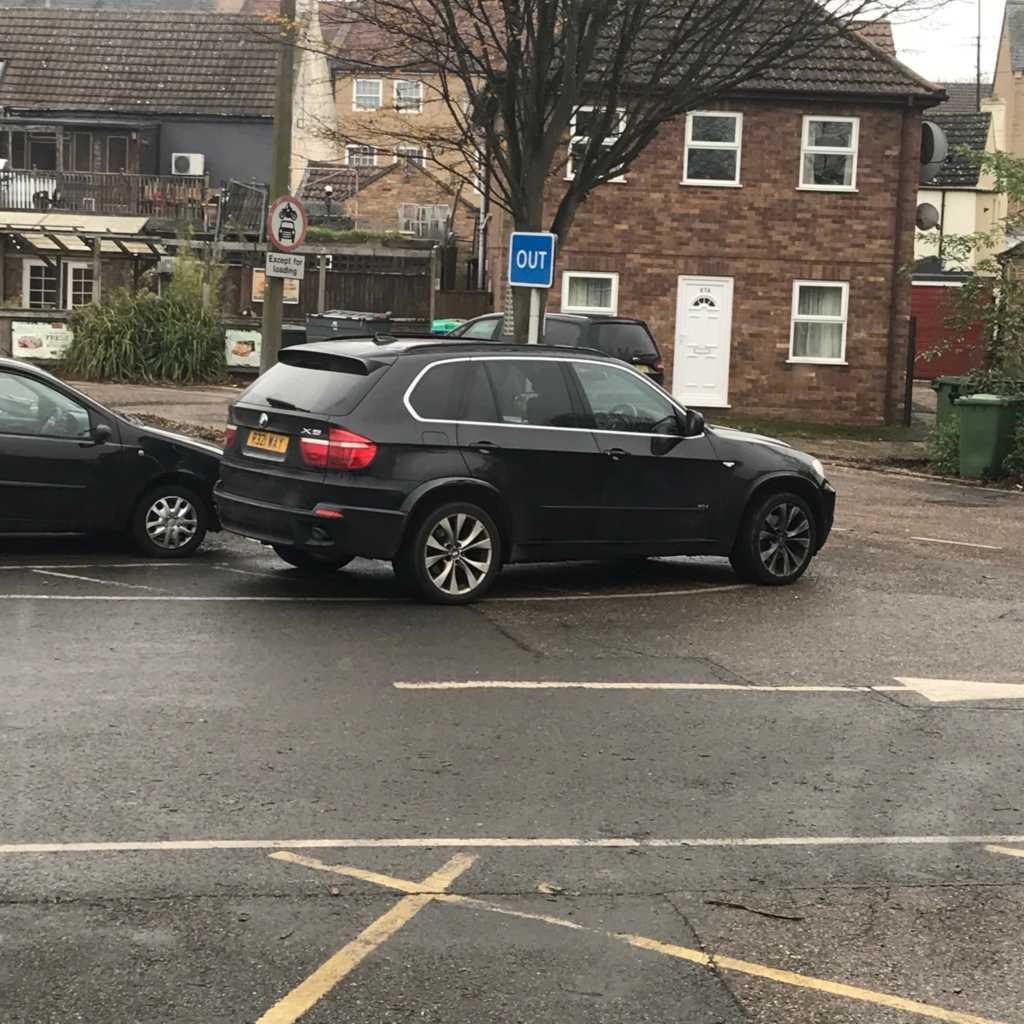P32 WAY displaying crap parking