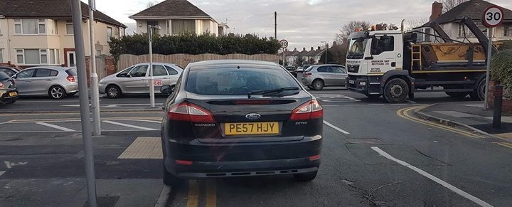 PE57 HJY  displaying Selfish Parking