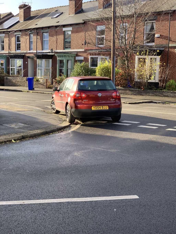 YD54 BJJ displaying crap parking