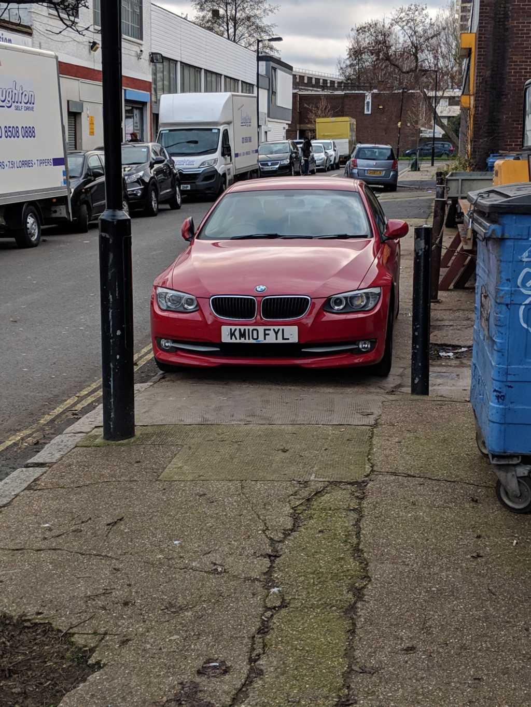 KM10 FYL displaying crap parking