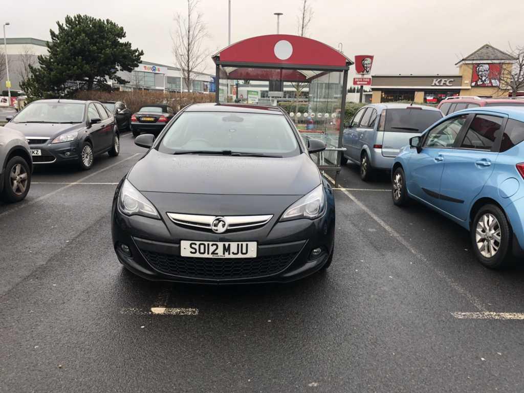 SO12 MJU displaying crap parking