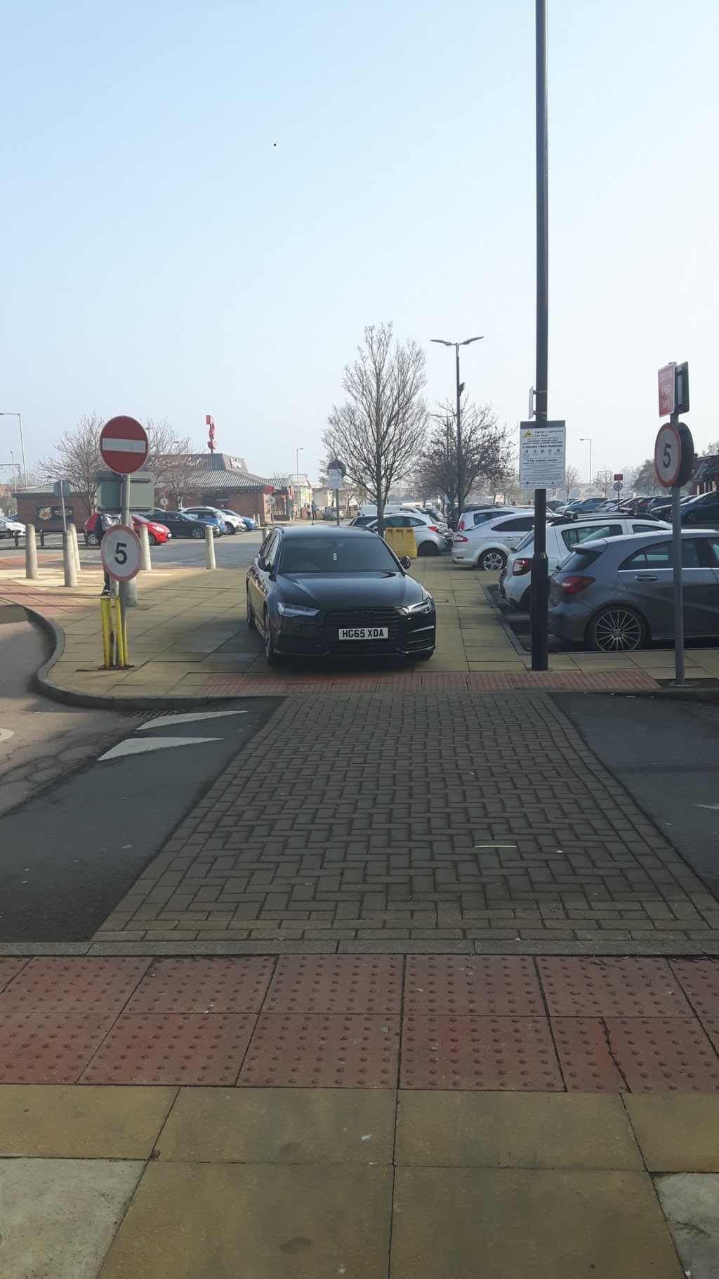 HG65 XDA displaying Inconsiderate Parking