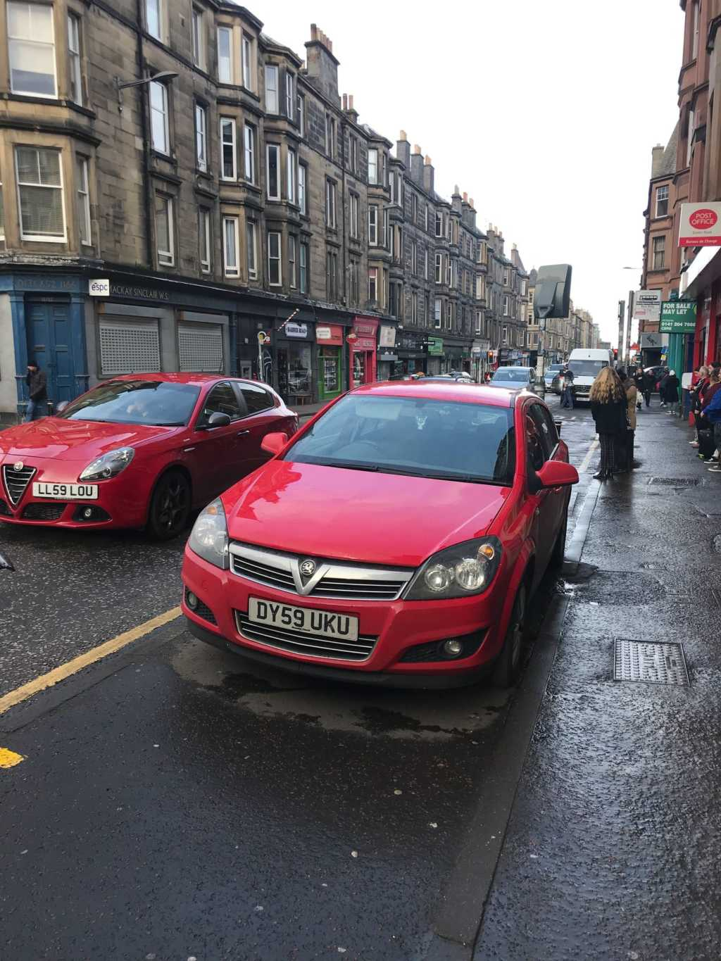 DY59 UKU displaying Inconsiderate Parking