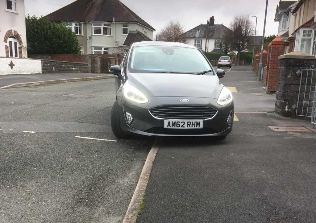 AM62 RHM displaying Inconsiderate Parking