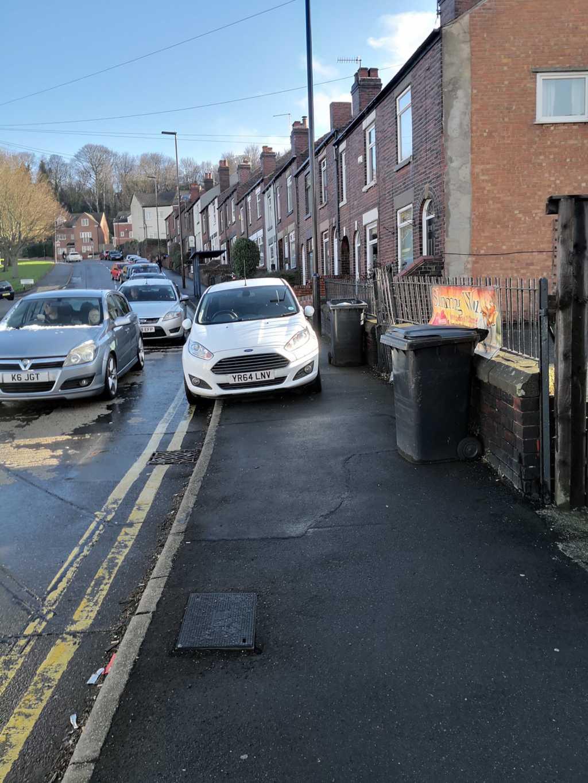 YR64 LNV displaying Inconsiderate Parking