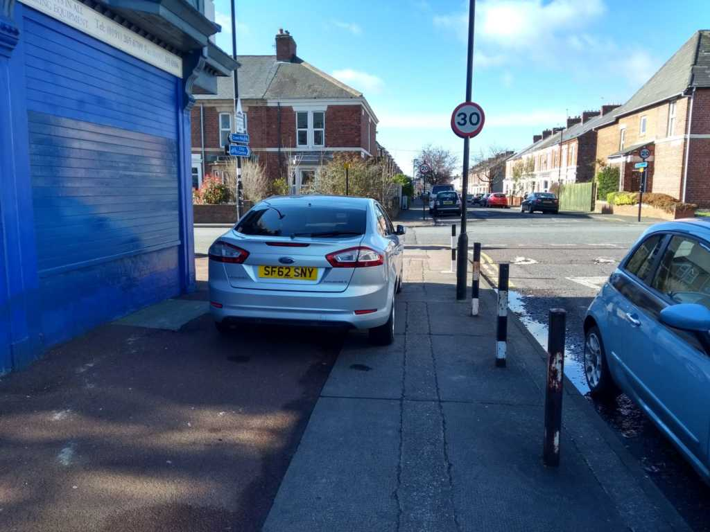SF62 SNY displaying Inconsiderate Parking