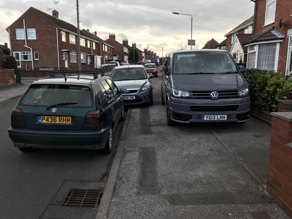P436 RHM & YG13 LHH  displaying Selfish Parking