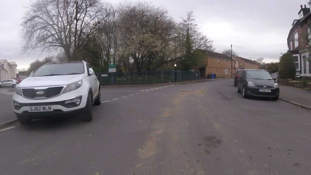 GJ62 WLN displaying Inconsiderate Parking