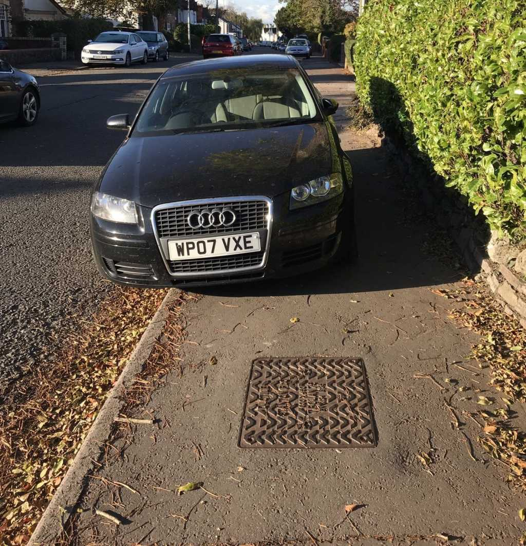 WP07 VXE displaying Inconsiderate Parking