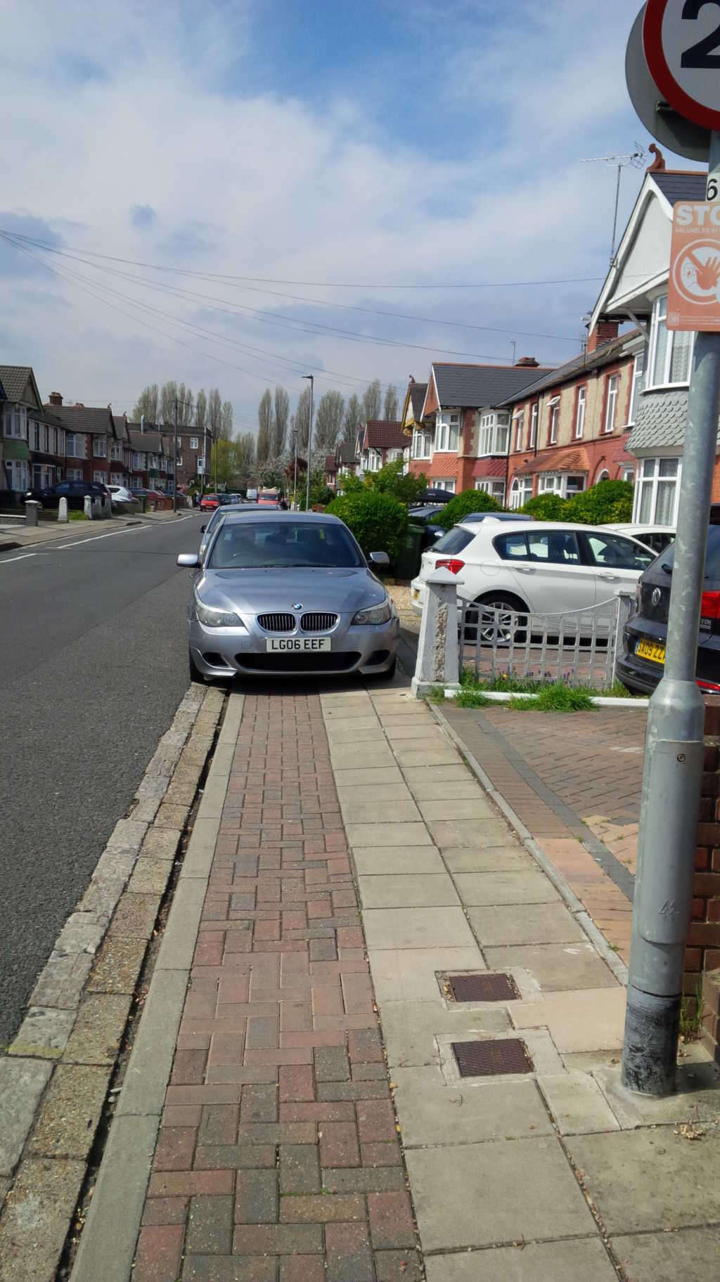 LG06 EEF displaying Inconsiderate Parking