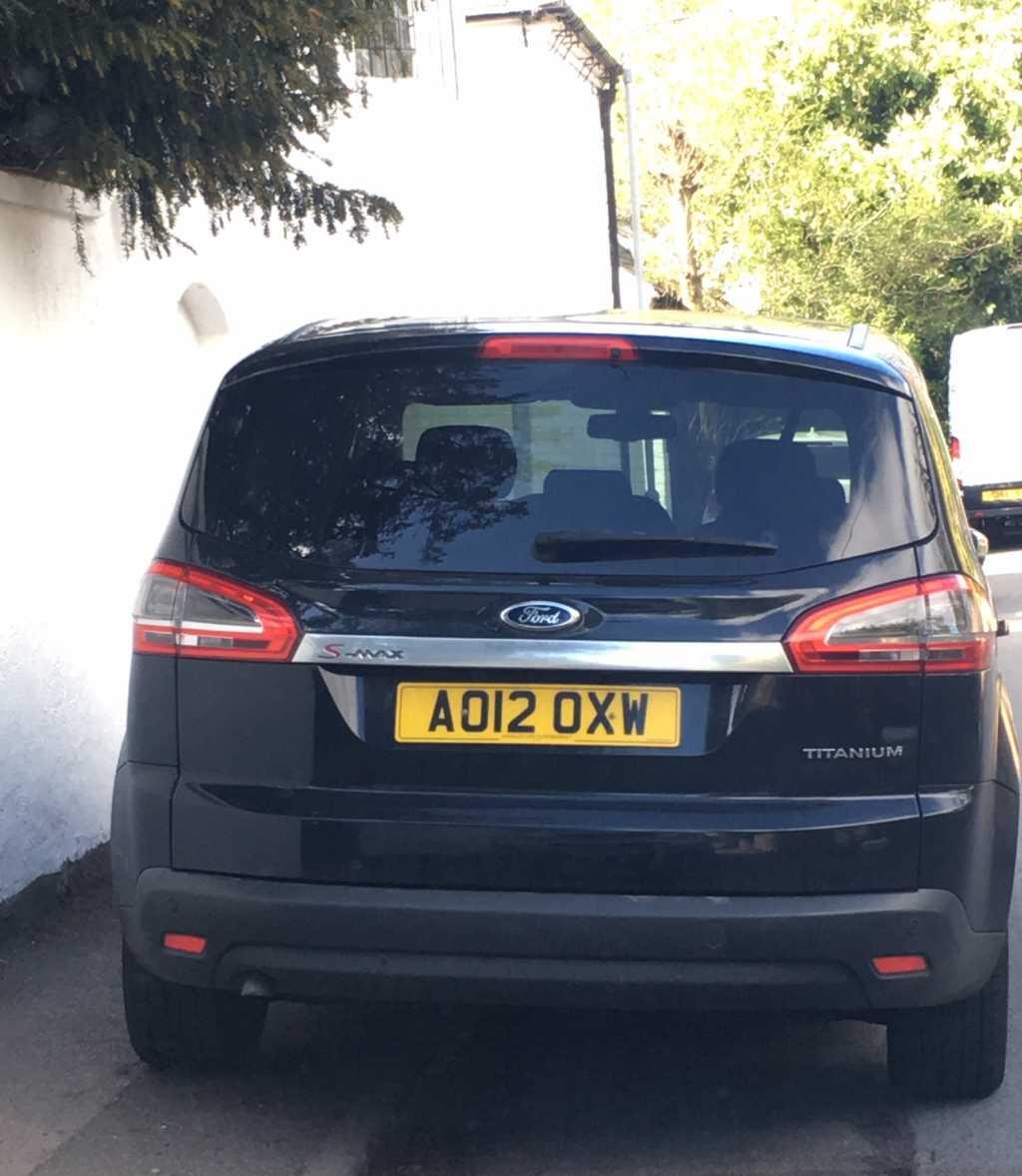 AO12 OXN displaying Selfish Parking