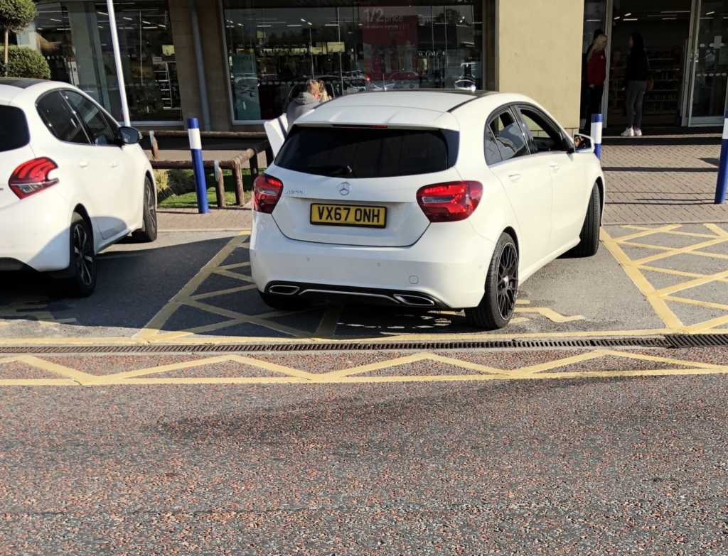 VX67 ONH displaying Inconsiderate Parking