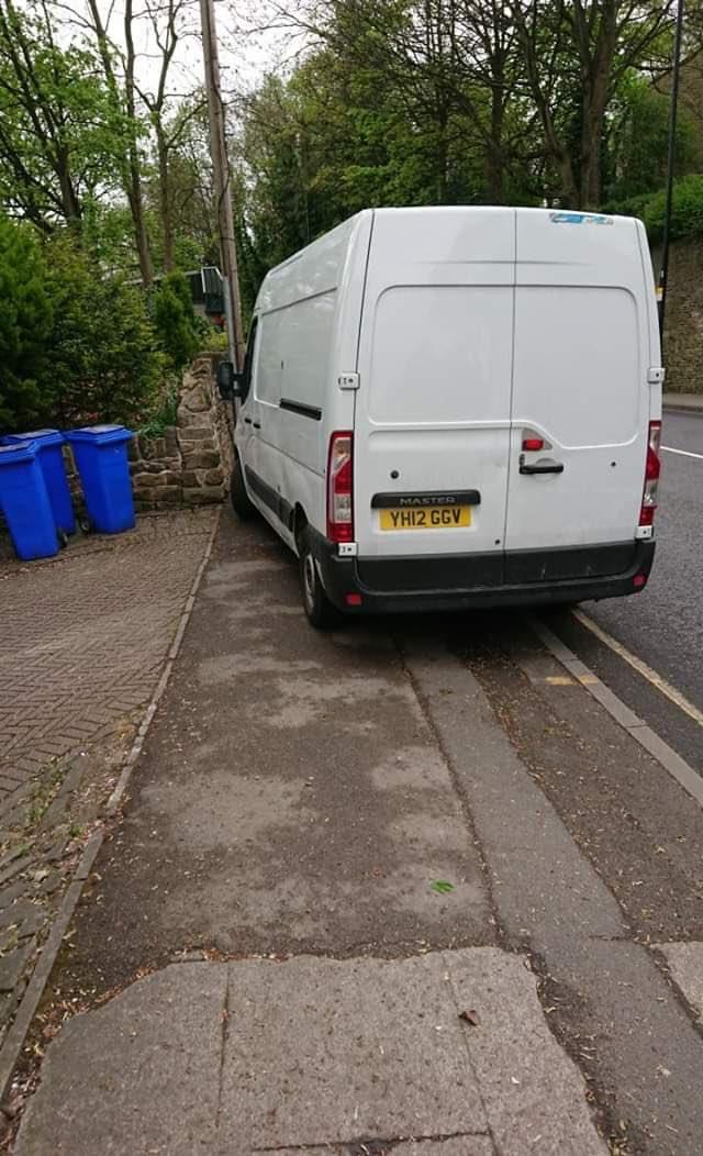 YH12 GGV displaying crap parking