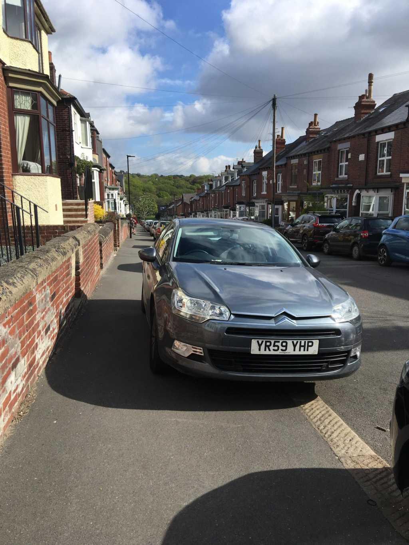 YR59 YHP displaying Selfish Parking
