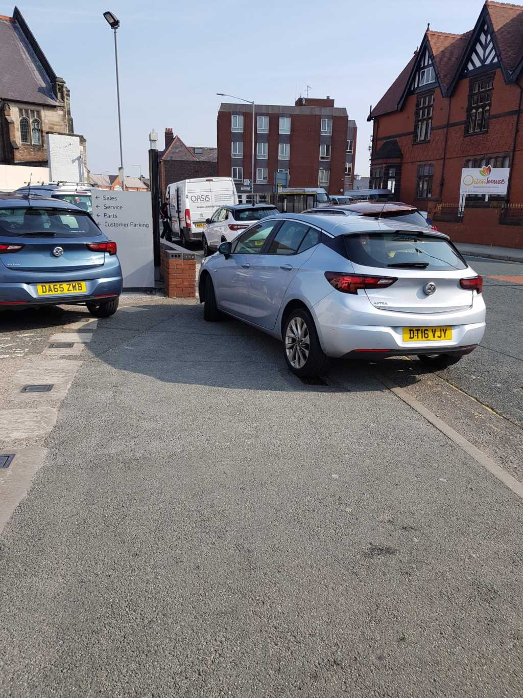 DT16 VJY  displaying Inconsiderate Parking