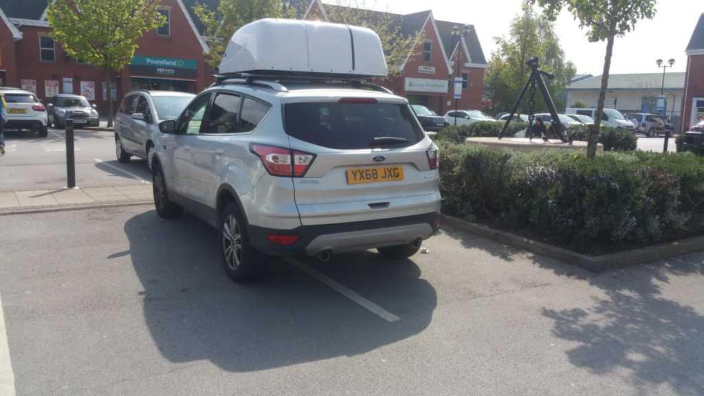 YX68 JXG displaying Inconsiderate Parking