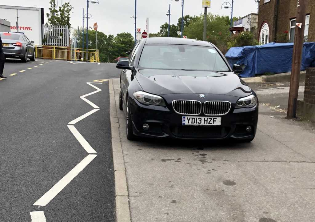 YD13 HZF is an Inconsiderate Parker