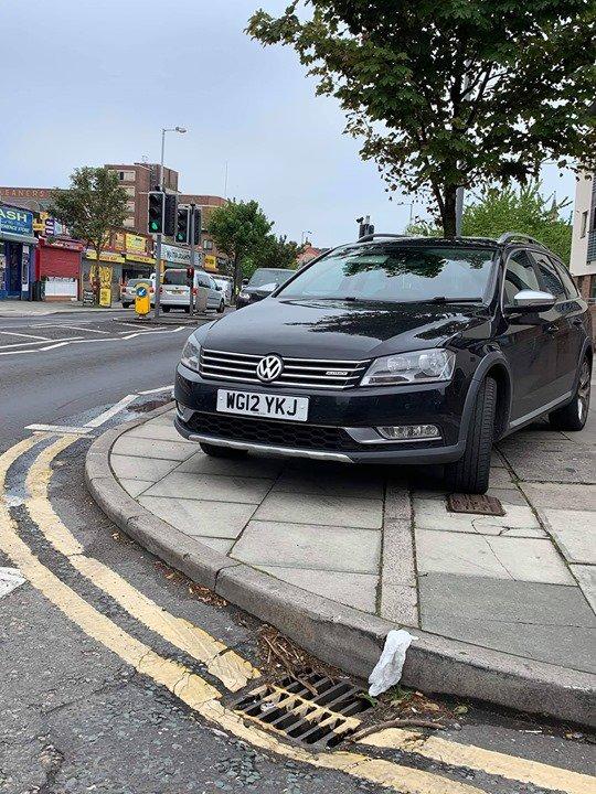 WG12 YKJ displaying Inconsiderate Parking