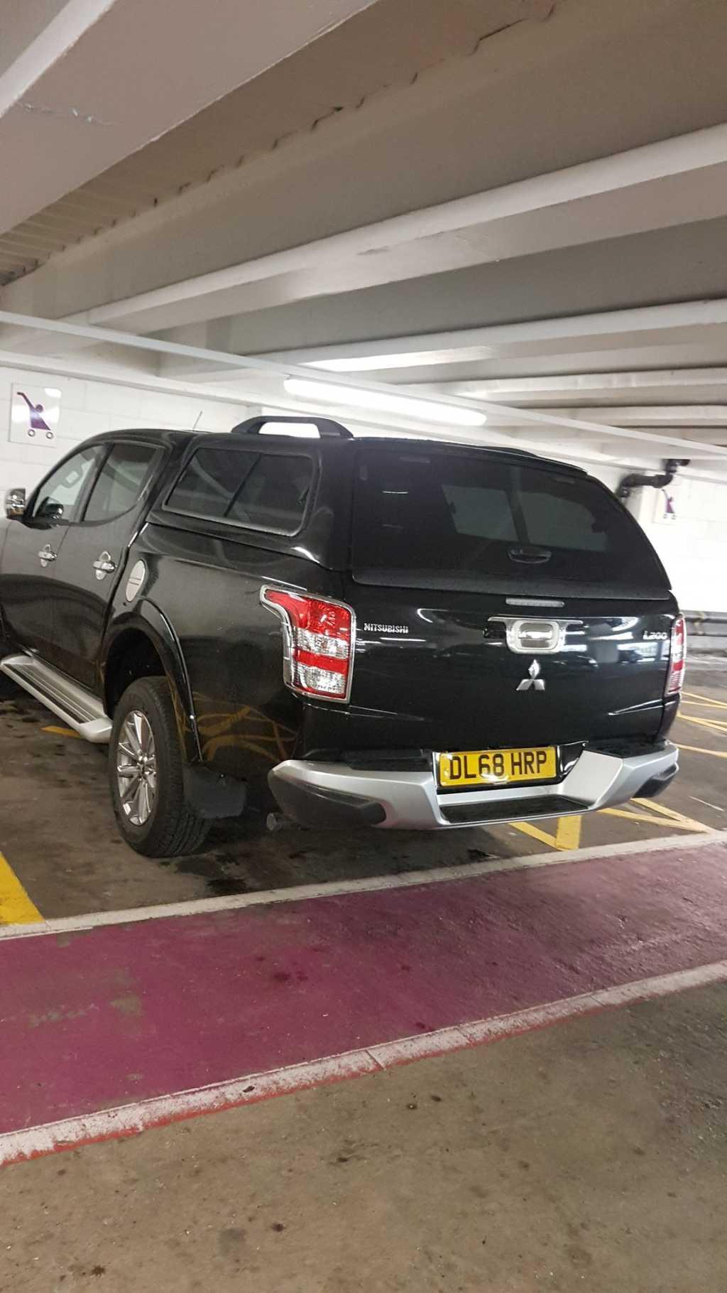 DL68 HRP displaying crap parking